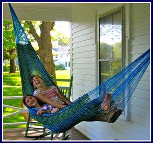girls-in-hammock