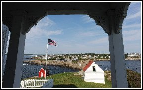 pictures-of-maine_inside-nubble-lighthouse